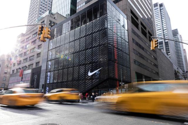 NikeNYC_HouseOfInnovation_hetrick_cleanselects_0087_native_1600