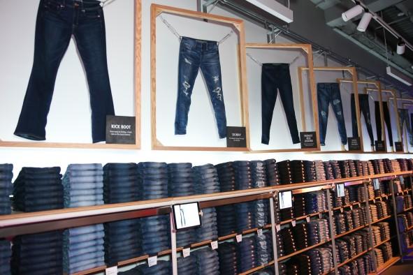 AE_Studio_Jeans